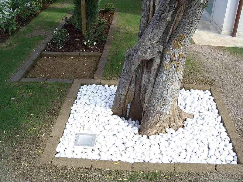 Pavimento a secco giardino idee creative su design per - Pavimentazione giardino in pietra ...
