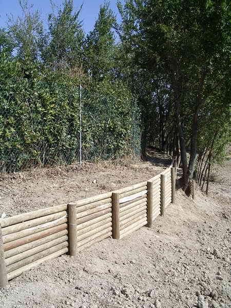 Opere varie vivai piante gabbianelli - Palizzate in legno per giardino ...